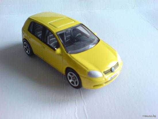 VW golf v 1\57 жёлтый. металл  распродажа коллекции
