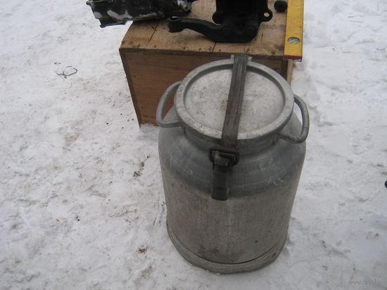 Молочный бидон из пищевого алюминия из СССР. Для хранения любых жидкостей и любого назначения.