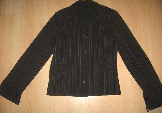 Школьный костюм-тройка 36 рр