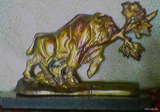 Сувенирный зубр из Беларуси