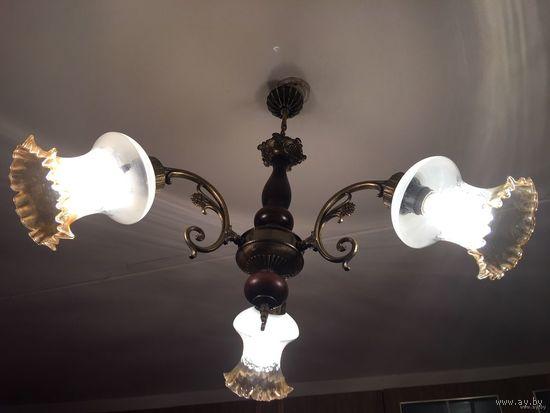 Люстра Югославия бронза или латунь дерево на 3 лампы Продается БЕЗ ПЛАФОНОВ стиль Ивица Ромашка