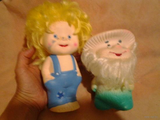 Резиновые игрушки, 2 штуки.