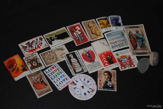 Материалы для творчеств@: Марки 18 штук, что на фото, и 1 циферблат от старинных часов!