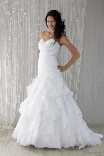 Платье свадебное (А-силуэт).цвет: белый