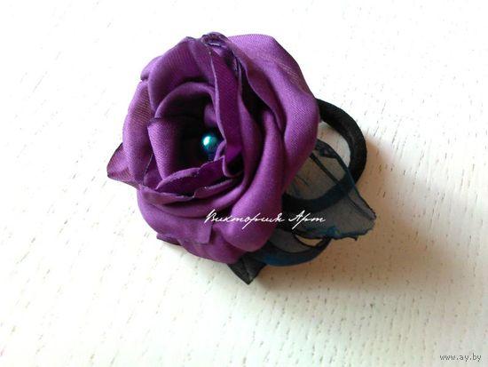 Фиолетовая роза - резинка для волос, новая