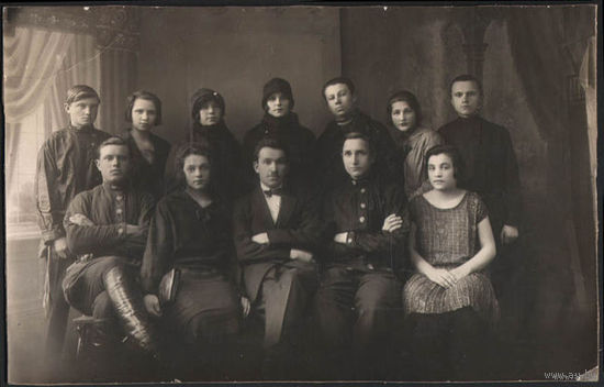 Старинные семейные фотографии разного формата конца 19 начала 20 века-*всех 13 штук!