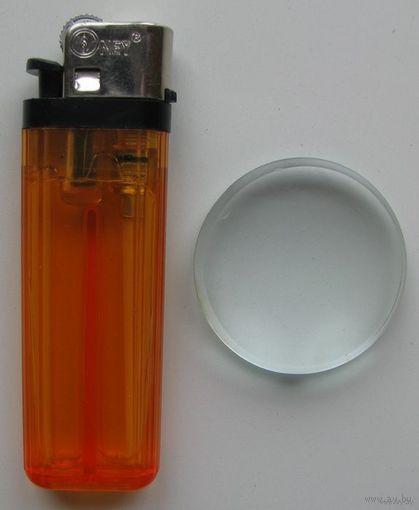 Увеличительное стекло (линза)