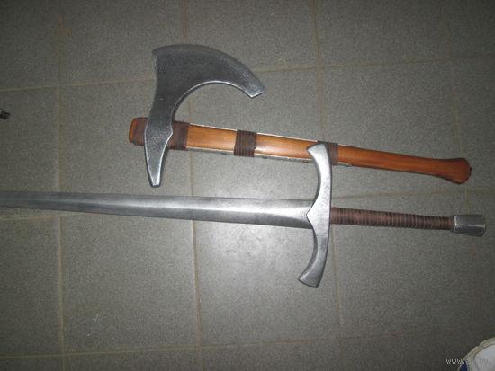 Реконструкция меч и топор,дерево стилизовано под металл.Интерьер,украшение на стену.