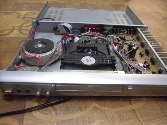 DVD проигрыватель Elenberg HT-111.