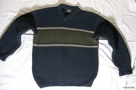 Пуловер мужской немецкой фирмы  Globe trotter состав:60%-шерсть, 20%-полистер, 20%-нилон размер 48-50 на рост 172-176 немного б.у. в отличном состоянии