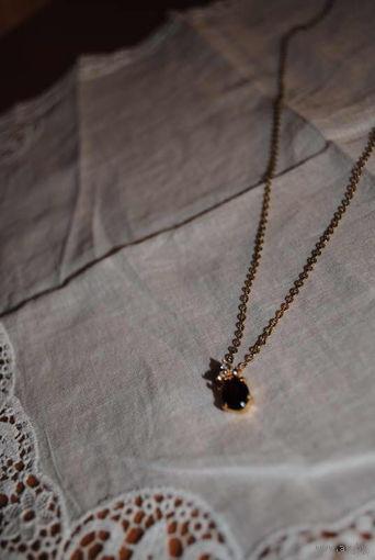 Винтажная подвеска из бабушкиной шкатулки с камнем подобным на натуральный рубин и на латунной или позолоченной цепочке!