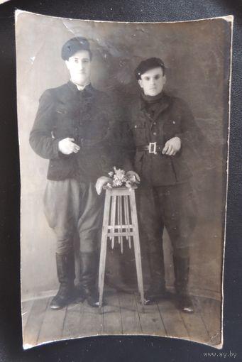 """Фото """"Рабочие парни"""", Барановичи, 1931 г."""