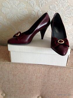 Туфли женские новые на каблуке, на 37 размер