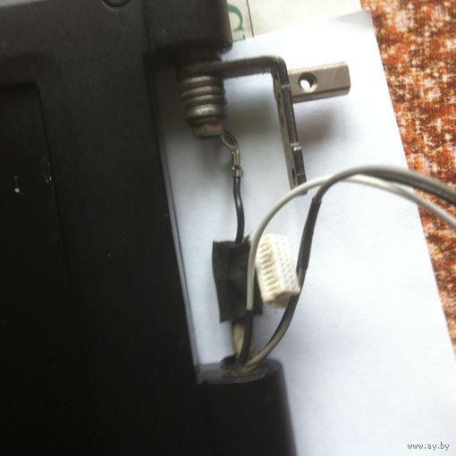 Монитор ноут бука  ASUS PRO72 SL   c узлами крепления и электропроводкой