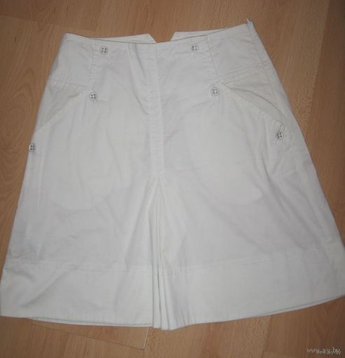 НОВАЯ юбка белая фирменная 40-42 MNG