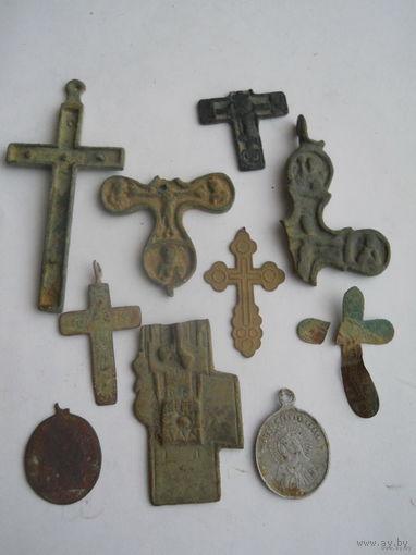 Лот крестиков и медальонов