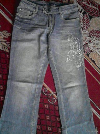 Гламурные джинсы Morgan с бабочкой (стразы) р. 46