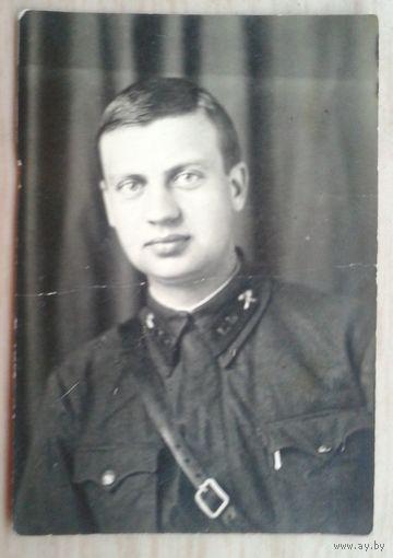 Фото военного. 1942 г. 5х7 см.