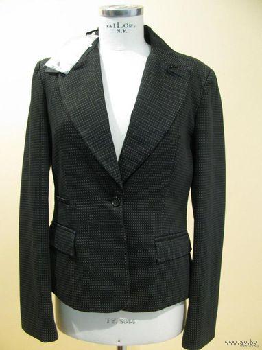 РАСПРОДАЖА!!! СКИДКА 60 %!!!  Новые пиджаки известной итальянской марки EXTE, 100 % оригинальные