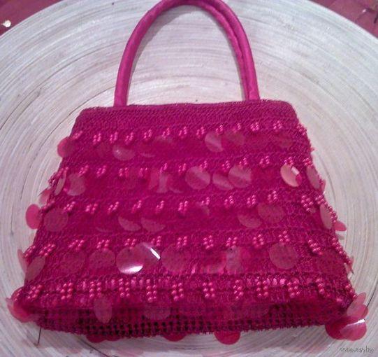 НОВАЯ изящная сумочка с пайетками