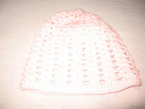 Розовая шапка ажурная