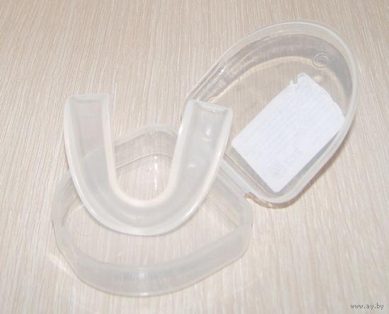 Капа силиконовая (защита зубов) для любых единоборств. Новая в футляре. Недорого!