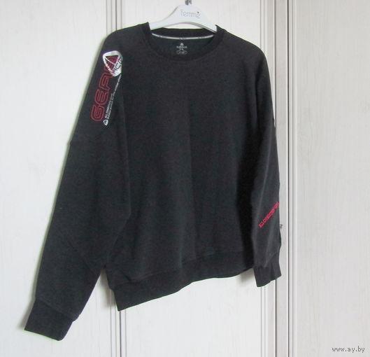 К 23 февраля вся одежда для мужчин по 2.30 ! Успейте купить .Толстовка Gear (знаменитая марка спортивной одежды) Р-р 48