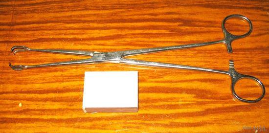 Инструмент медицинский (коллекция), лот No21: щипцы-зажим
