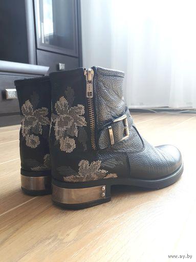 Фирменные ботинки Aqamarun