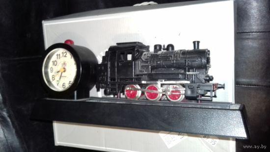 Часы с паровозом С рубля!