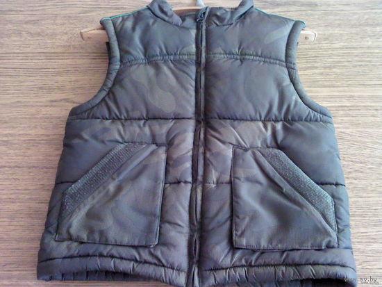Куртка-жилет на мальчика камуфляжная CHEROKEE