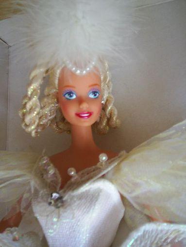 """Кукла Barbie Swan Lake, 1991 г. Первый выпуск в серии.Кукла-балерина в костюме героини балета """"Лебединое озеро"""". Продаётся в комплекте с музыкальной вращающейся подставкой."""
