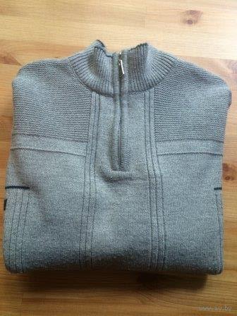 Толстый теплый свитер на 48 +- размер. Очень хорошего качества и состава: 50 шерсти, 30 кашемира, 20 эластана. Ориентируйтесь на замеры: длина 72 см, ПОгруди 51 см, длина рукава 61 см. Турция.