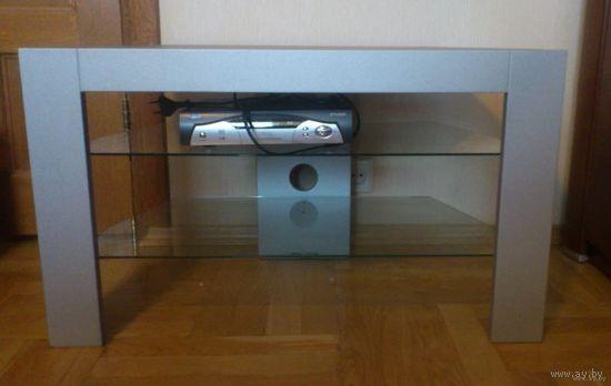 Полка под телевизор и аппаратуру