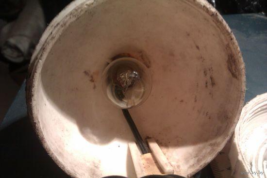 Фонарь 12 В с крючком и крышкой