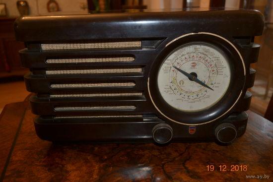 Старое радио Филлипс